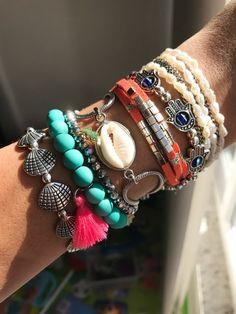 f9b04c07f07 Mix de pulseiras Noronha Mix de pulseiras  coloridas