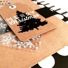 Y si al blanco y negro le añadimos la calidez del kraft el resultado es espectacular. Otro precioso proyecto de @collagedememories . Ya sabéis en el blog.  #togalesite #handmade #diy #decor #christmasdiy #crafts by basiccrea2