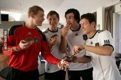 How can you put Nutella and German football players in one picture? German Football Players, Germany Football Team, Germany Team, Soccer Players, Michael Ballack, Chips Lays, Arsenal, German National Team, Image Foot