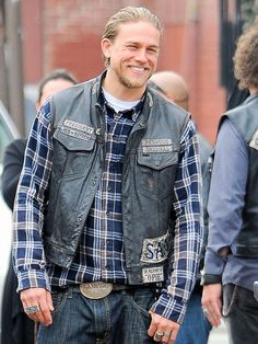 Star Tracks: Wednesday, October 15, 2014 | GLORY GRIN | Someone is having a good day at work! Charlie Hunnam turns on the charm while filming an episode of Sons of Anarchy on Tuesday in Los Angeles.