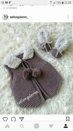 This Pin was discovered by Çiç Knitting For Kids, Baby Knitting, Magic Circle Crochet, Knitting Patterns, Crochet Patterns, Baby Coat, Crochet Coat, Baby Kind, Baby Sweaters