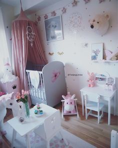 "Beautiful Girls room   (@tonjeoglinnea) på Instagram: ""Good morning everyone  Have a great Sunday everyone ! - - - - #barnerom #kids #cute #girlsroom…"""