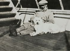 Constantin Brâncuşi and Stoor, on the boat for New York, 1926 Constantin Brancusi, Spitz Dogs, German Spitz, Japanese Spitz, Pet Shop Boys, Old Images, Vintage Dog, Terrier Mix, Australian Shepherd