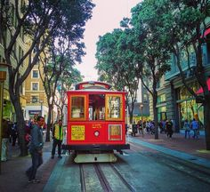 Cable Car near Union Square #wanderlust #sanfrancisco #california #instatravel #travel #travelphotography #travelgram #picoftheday #instaview #instacool #instalove #loveit #magical #picturesque #pictureoftheday #instamoment #cablecar #historic #whataview #unionsquare #wildcalifornia #wildbayarea #sfguide #tourist #sf #cityscape #landscape #landscapephotography #landmark #urban by wanderlust.cocktails.dreams