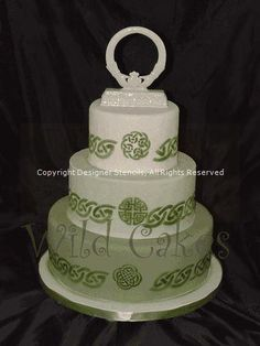 Celtic Wedding Cake created with a stencil: http://multimedia.designerstencils.com/default.aspx?moid=522#