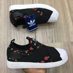 Adidas Superstar Slip On Florido ❤️ Adidas Superstar Slip On, Snicker Shoes, Cute Sneakers, Sneaker Boots, Dream Shoes, Winter Shoes, Trendy Shoes, Blue Shoes, Adidas Shoes