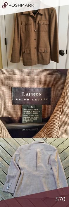 Lauren Ralph Lauren 100% Wool Jacket Lauren Ralph Lauren 100% Wool lightweight blazer. Small houndstooth pattern. This is a classic piece that can be dressed up or down. Fully lined and in excellent condition! Size is 4. Perfect for fall! Lauren Ralph Lauren Jackets & Coats Blazers
