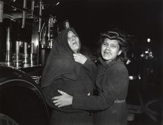 Weegee (Arthur Fellig) - Tenement Fire in Harlem Weegee Photography, History Of Photography, Street Photography, Night Photography, Vintage Photography, Collections Photography, First Photograph, Great Photographers, Stanley Kubrick
