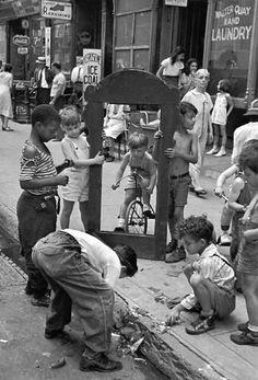 Helen Levitt / New York, c.1940