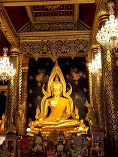Buddha statue in Phitsanuloke