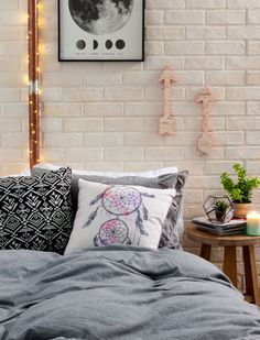 The only way is up. #typoshop #style #decor #apartment #home #bed #arrow
