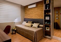 cama encostada na parede