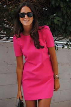 Inspirational ideas for hot pink dress outfit Mode Style, Style Me, Classy Style, Simple Style, Look Fashion, Womens Fashion, Fashion Trends, Dress Fashion, Fashion Clothes