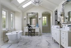 Kim and Kanye Hidden Hills Mansion - Kim Kardashian and Kanye West House bathroom marble Casa Kardashian, Kim Kardashian Kanye West, Kim And Kanye House, Calabasas Homes, West Home, Celebrity Houses, Style Vintage, Beautiful Bathrooms, White Bathrooms