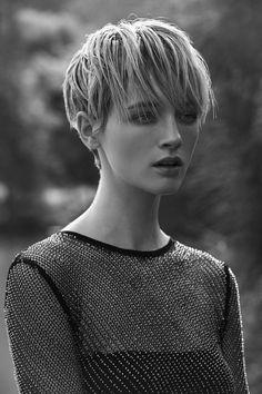 The Short Pixie Cut - 58 Great Haircuts You'll See for 2019 - Hairstyles Trends Cool Short Hairstyles, Great Haircuts, Pixie Hairstyles, Short Hair Cuts, Short Hair Styles, Androgynous Haircut, Milkmaid Braid, Pelo Bob, Hair Dos