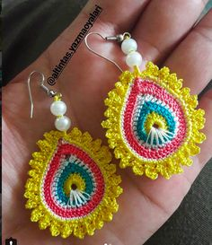 Wedding Ideas - All Ideas You Need Wire Crochet, Freeform Crochet, Crochet Art, Thread Crochet, Crochet Crafts, Crochet Flowers, Crochet Projects, Crochet Earrings Pattern, Crochet Jewelry Patterns