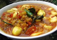 Garlic Curry with Chapatis and Cucumber Pachadi (need 200g of garlic!)