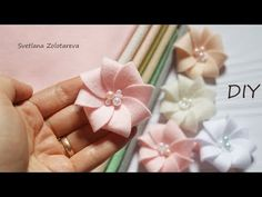 Amazing felt marshmallows 🌸🌸🌸 Baby accessory - YouTube Paper Flower Tutorial, Paper Flowers Diy, Felt Flowers, Handmade Flowers, Flower Crafts, Fabric Flowers, Baby Accessoires, Ribbon Art, Diy Hair Bows