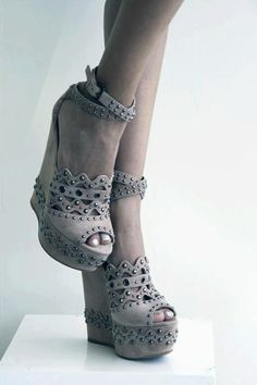 I probably would fall over if I tried walking in these, but they're really pretty.
