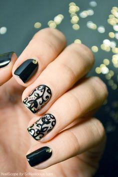 Romantic Black Lace Nails - Tutorial: https://sonailicious.com/black-lace-nail-art-tutorial/