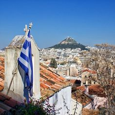 thanosntz via Instagram  #Likavitos #greece #greekflag Η ζωή είναι όπως η φωτογραφία. Αν θες να της δώσεις μια διάσταση ακόμα, παίξε με την προοπτική. Μα για να πετύχεις το επιθυμητό πρέπει να αλλάξεις άφοβα πολλές γωνίες λήψης. http://instagram.com/p/oZhLipnQYo/