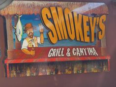 Smokey's Grill and Cantina in Los Barriles: Right next to our hotel. Good food and drinks, no complaints!