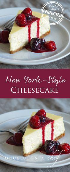 New York-Style Cheesecake - desserts - Cake-Kuchen-Gateau New York Cheesecake Rezept, New York Style Cheesecake, Baked Cheesecake Recipe, Lemon Cheesecake, How To Make Cheesecake, Cupcakes, Cupcake Cakes, Muffin Cupcake, Sweets Cake