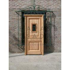 Consulta acerca de: Puerta de frente de madera Pino Tea con reja forjada (3984)