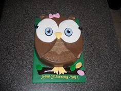 SARAH JANE (occasionally, and among other things..) DOES CAKE.: First Birthday Owl Cake (from the Look Whoo's Turning One party theme)