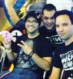 Con su control favorito!!! Listo para el #gaminghut !! @papopistola @om3ga_jon @vloginfest #gamers #gaming #PuertoRico