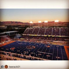 It's so beautiful in #Boise #Repost by @teerack01Even the sunsets are Blue and Orange!  #boisestate #gobroncos #idahome