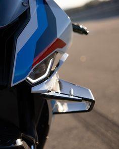 BMW M1000RR R65, Bmw S1000rr, Bmw Sport, Motos Bmw, Golf Clubs, Motorcycle, Sports, Bmw Motorcycles, Bikers