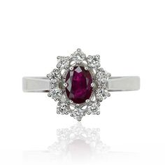 Ruby Diamond Ring Whitegold  Rubin-Diamantring in Weissgold mit 0,817ct  Rubin, 0,332ct Diamanten