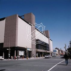 Forum de Montreal .. used to watch the Canadians play here with my dad as kid