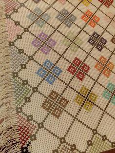 Maria Ediza Muñoz Valdez's media content and analytics Tiny Cross Stitch, Cross Stitch Tree, Cross Stitch Pillow, Cross Stitch Borders, Cross Stitch Designs, Cross Stitching, Cross Stitch Embroidery, Cross Stitch Patterns, Hand Embroidery Designs