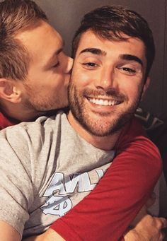 Heeello Everybody ! I'm Denis, gay and from Germany. And I'm here to spend some time with you guys :) If you want any of the pics removed just. My Kind Of Love, Same Love, Man In Love, Cute Gay Couples, Couples In Love, Men Kissing, Love Kiss, Gay Pride, Sexy Men