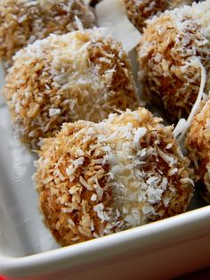 AMARETTI CU MASCARPONE SI COCOS | Rețete Fel de Fel Baby Food Recipes, Sweet Recipes, Cookie Recipes, Dessert Recipes, Romanian Desserts, Romanian Food, Homemade Sweets, Good Food, Yummy Food