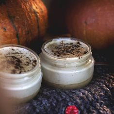 A quick and easy dessert for autumn days. Creamy, just right sweet goodie which we can enjoy it without a guilt. You can easily prepare it for a special occasion. Raw Vegan Desserts, Easy Desserts, Nut Recipes, Caramel, Special Occasion, Goodies, Favorite Recipes, Autumn, Canning
