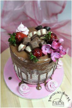 Naked cake strawberry and chocolate. Naked cake truskawki i czekolada. Więcej na www.pieceacake.pl/75