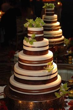 Wedding Cake, Green and Brown