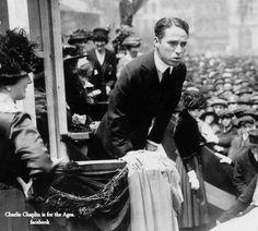 Charlie Chaplin, Liberty Loan War Bond Drive (1918). This may be Philadelphia, Pennsylvania.