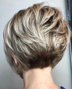 Short Stacked Bob Haircuts, Short Hairstyles For Thick Hair, Short Thin Hair, Haircuts For Fine Hair, Haircut For Thick Hair, Short Hair With Layers, Short Hair Cuts For Women, Curly Hair Styles, Wavy Layers