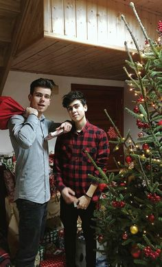 Christmas Sweaters, Idol, Punk, My Favorite Things, Stars, Boys, Baby Boys, Christmas Jumpers, Sterne