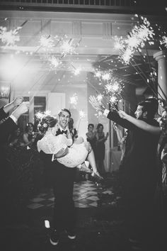 Lynsey and Ryan / featured onThe Wedding Row / photograph by @hyerimages  at The William Aiken House