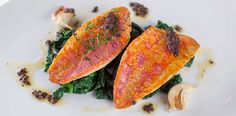 Red mullet with spinach and tapenade. Red mullet with spinach and tapenade. Red mullet with spinach and tapenade. Stir Fry Dishes, Stir Fry Recipes, Pasta Dishes, New Recipes, Italian Recipes, Easy Vegetable Side Dishes, Vegetable Sides, Healthy Sides, Healthy Side Dishes