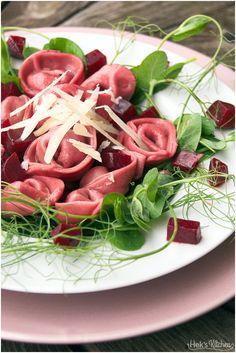 Rote Bete Tortellini mit Erbsenfüllung | Hek's Kitchen