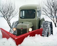 Just too cool not to pin ...1951-Ford-8N-with-Dearborn-Snowplow.