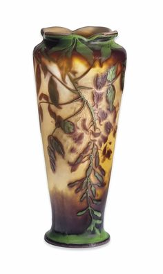 AN EMILE GALLÉ (1864-1904) TRIPLE OVERLAY CAMEO GLASS AND WHEEL CARVED VASE - 'WISTERIA', CIRCA 1900