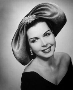 The talented Ann Miller wearing a strange headpiece! Old Hollywood Movies, Old Hollywood Glamour, Vintage Hollywood, Hollywood Stars, Hollywood Actresses, Classic Hollywood, Old Movie Stars, Classic Movie Stars, Classic Movies