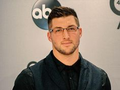 Tim Tebow Blasted for Praying for Dying Man on Plane |  CBN.com Wow ignorant people do not know what they do not know stay strong in the Lord Tim! God bless you! You made a difference to the woman sand their family.